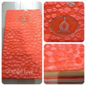 orange-motif-hati-sajadah